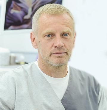 <strong>DR STEVAN KOBILAROV</strong>